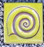 Motiv Pflasterstein Schnecke in goldgrün, absolut frostfest