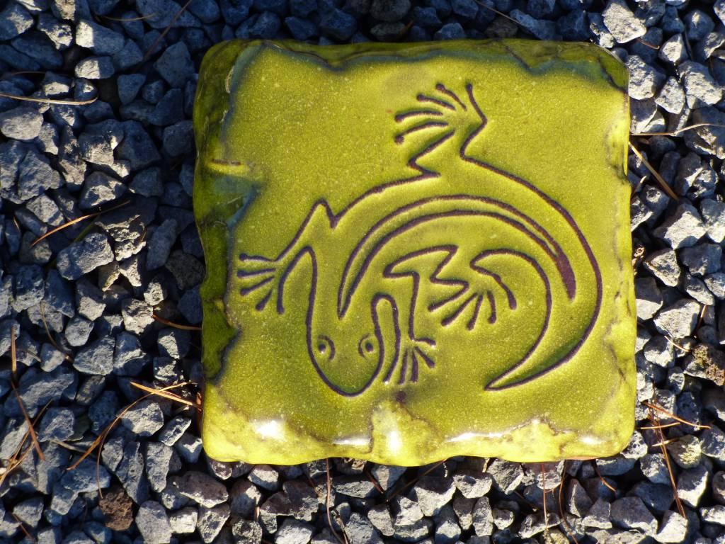Motiv Pflasterstein Eidechse in grüngelb
