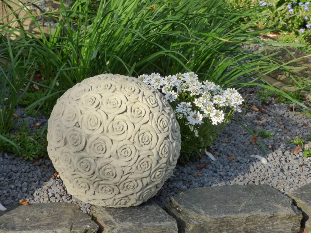 Rosenkugel aus Steinguss