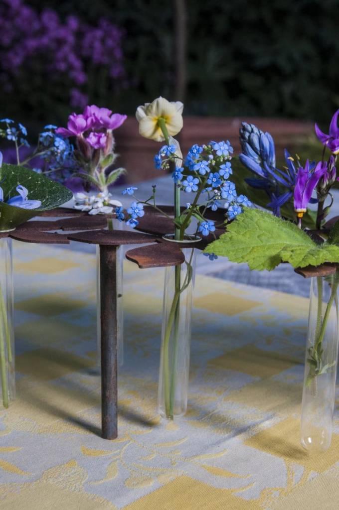 tischdeko blumen mit 10 reagenzgl ser g rten f r auge seele. Black Bedroom Furniture Sets. Home Design Ideas