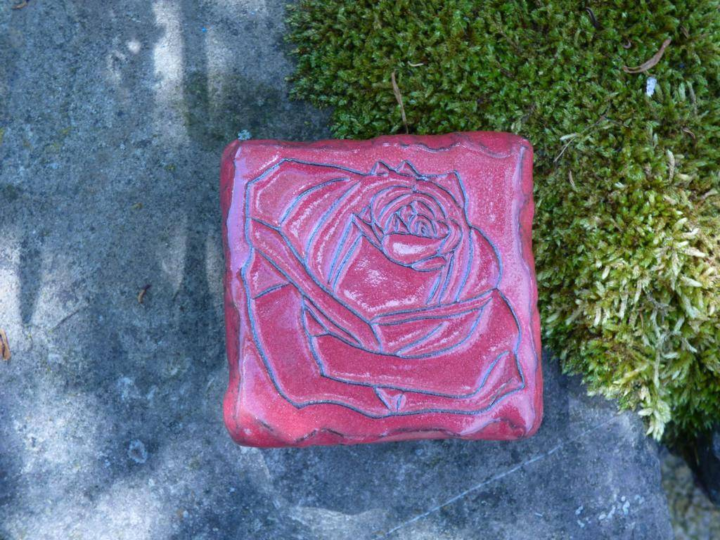 Motiv Pflasterstein Rose in rot