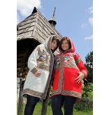 Sirogojno-Style Roter Wollmantel mit Kapuze