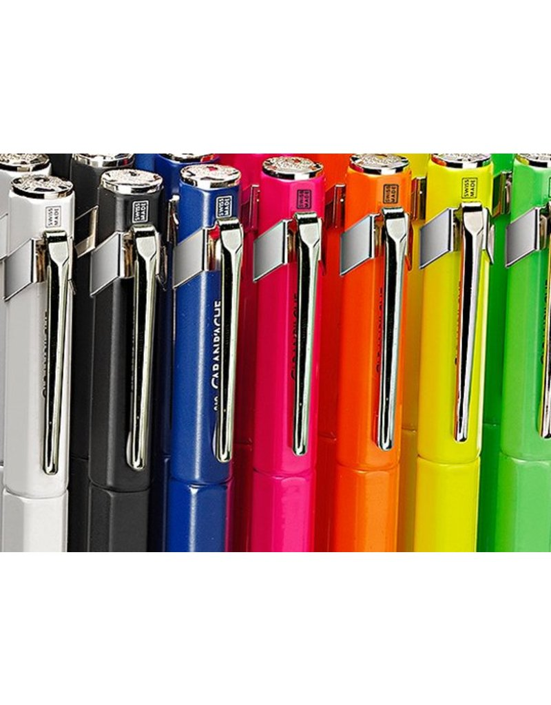 Caran d'Ache Füllfederhalter in verschiedenen Farben