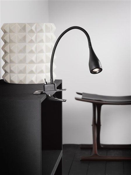 lampe de bureau pince led blanche ou noire 300 mm myplanetled. Black Bedroom Furniture Sets. Home Design Ideas
