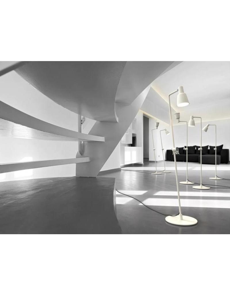 Dimmable floor lamp white or black E27