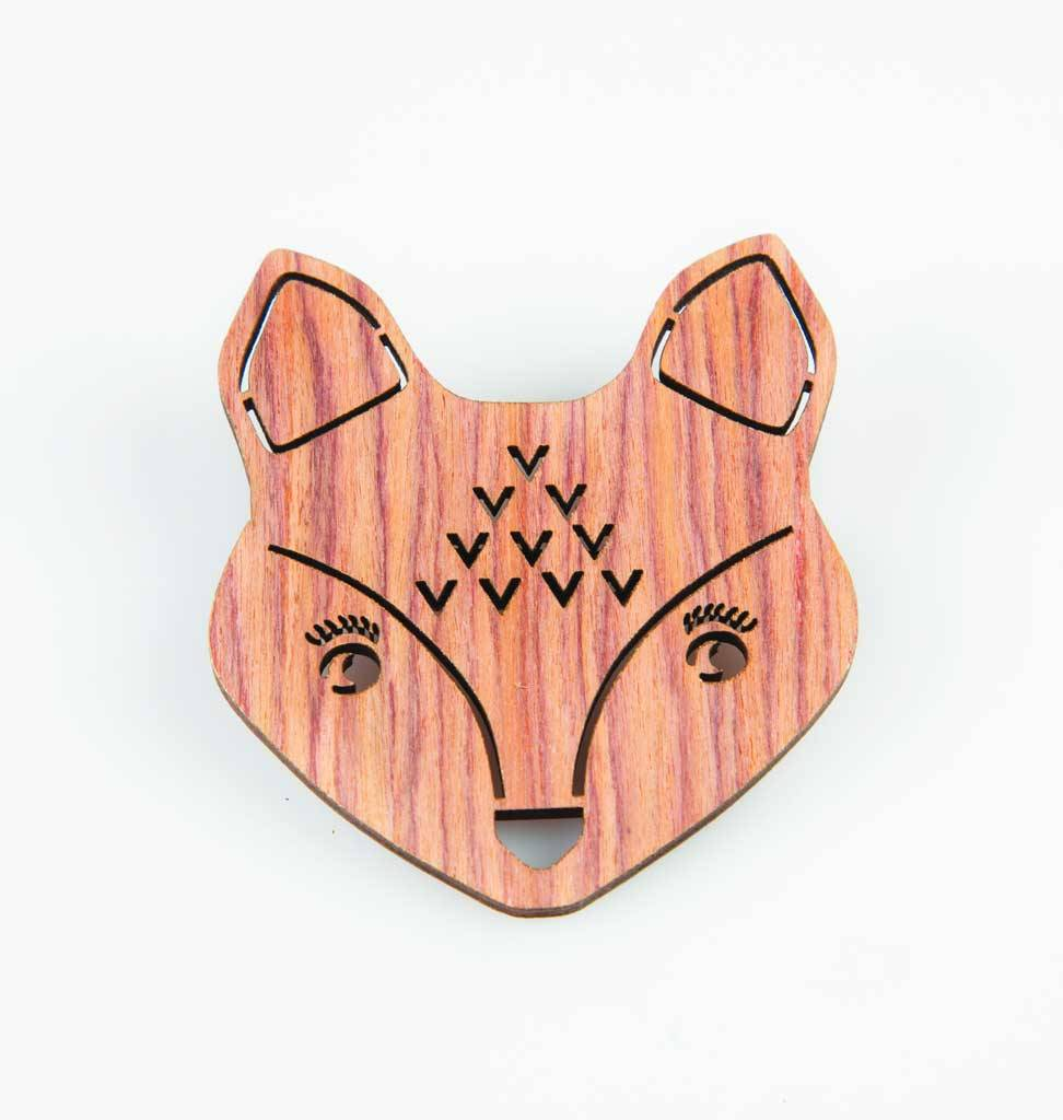 Sass & Belle Vos broche hout