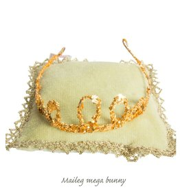 Maileg Crown on pillow for Maileg mega bunnies