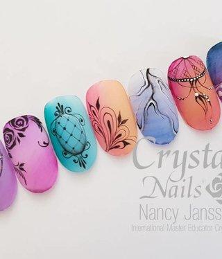 Crystal Nails Salon Nailart Design met acrylverf