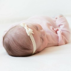 Your Little Miss Ivoor newborn baby haarbandje kant met strik