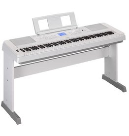 Yamaha Yamaha Portable Grand DGX-660 White