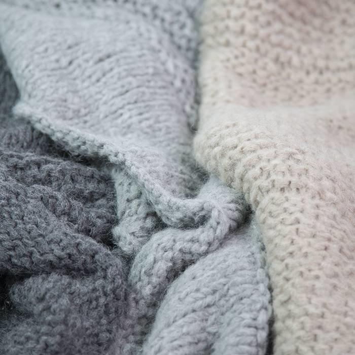 'Chunky Alpaca Plaid' - Hand Knit - Alpaca Wool - Light Grey