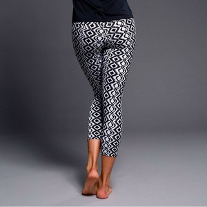 Onzie Yoga Wear Capri Pant - Black Diamond (XS)