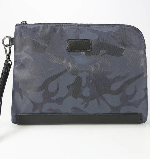 Icelus Clothing Camo Bag