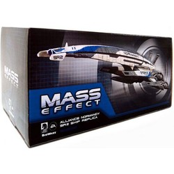 Dark Horse Mass Effect Alliance Normandy SR-2 Ship Replica