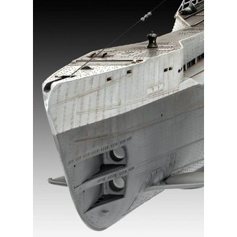 Revell German Submarine Type IX C/40 (U190)