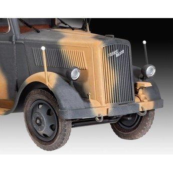 Revell German Truck Model 2.5 to 32