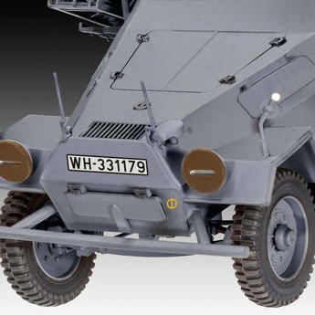 "Revell Sd. Kfz. 251/1 Ausf. B ""Stuka zu Fuß"""