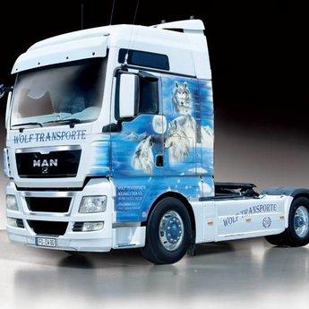"""Italeri Man TGX XXL """"Wolf Transporte"""""""