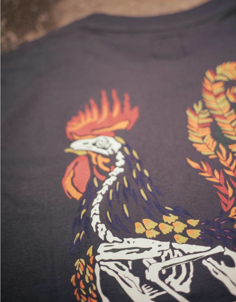 Her Tee Rooster