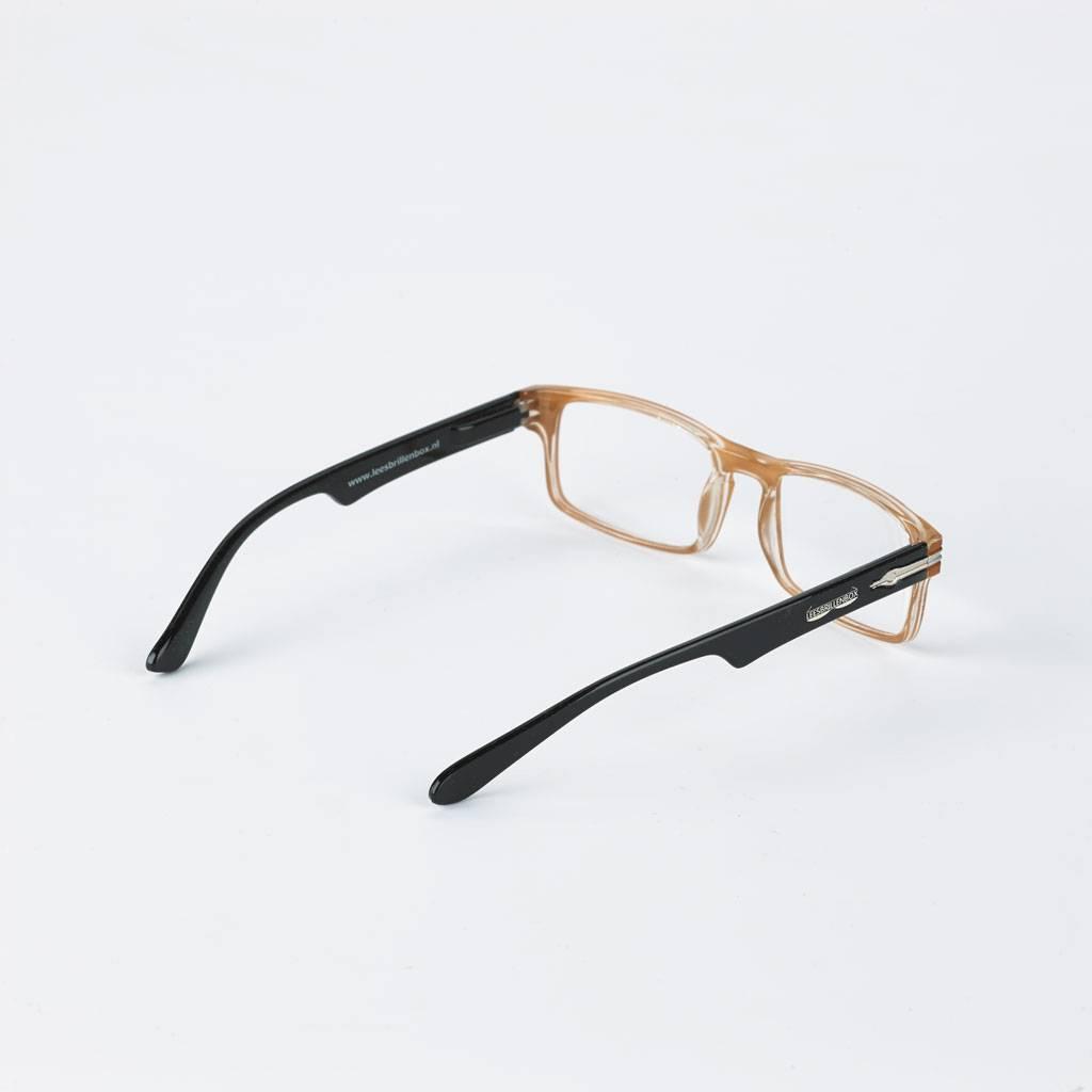 Lunettes de lecture, marque boîte de lunettes de lecture. Livrables dans quatre puissances différentes