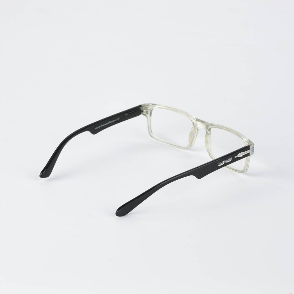 Reading glasses, brand Readingglassesbox. Available in four different strenghts.