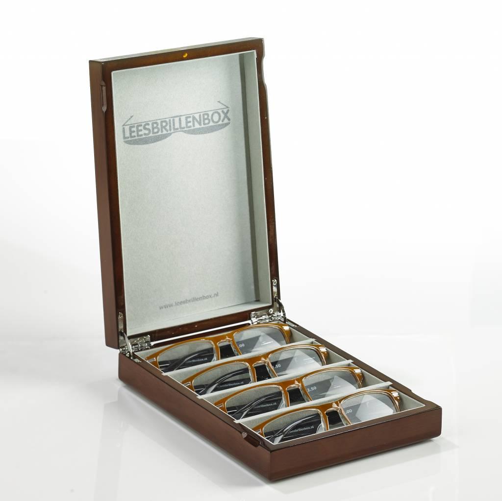 Hoogglans bruin Leesbrillenbox inclusief 4 leesbrillen met verschillende sterktes (1.0, 1.5 , 2.0, 2.5).