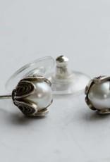 Yvone Christa Pearl earrings