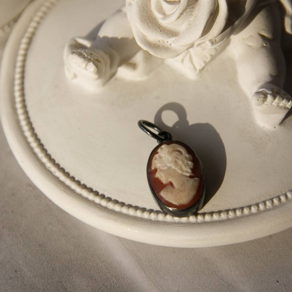 Carré Jewellery Camé hanger