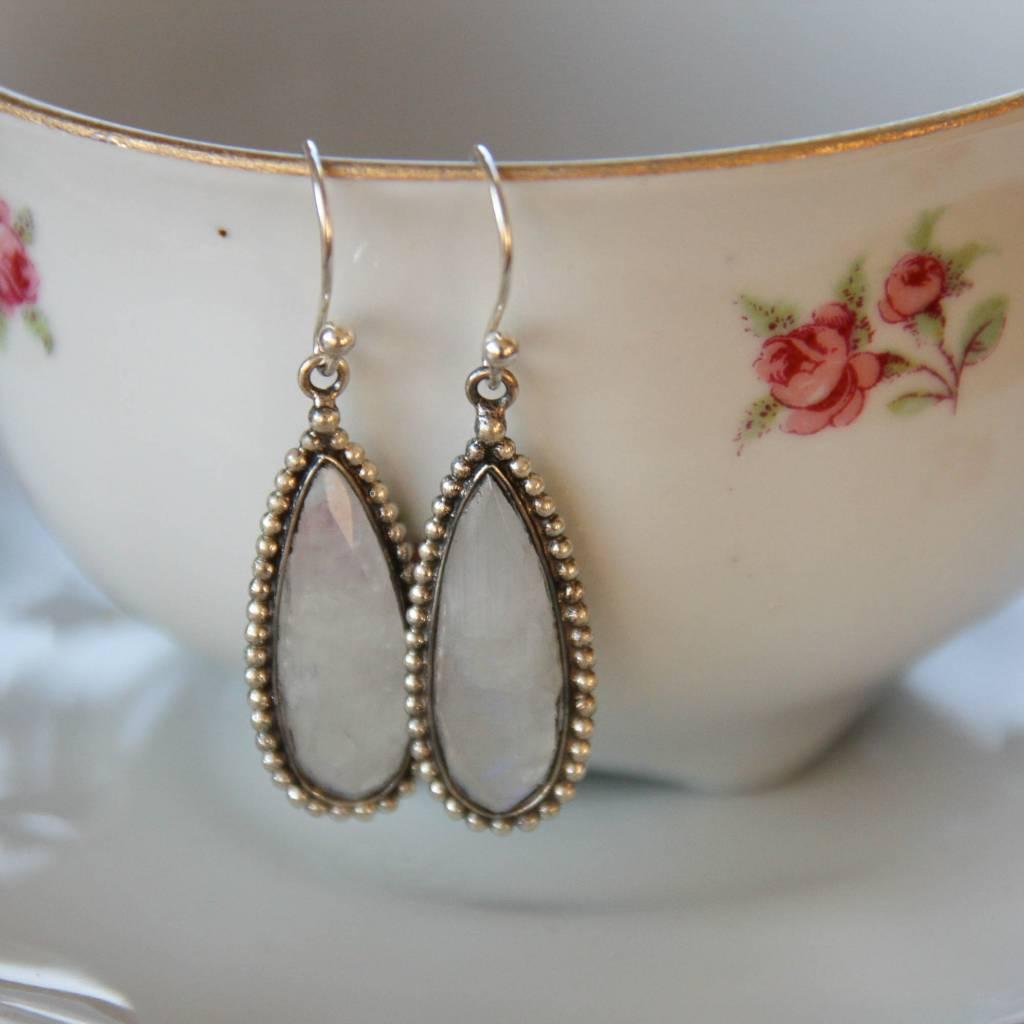Lacom gems Zilveren oorbellen met regenboogmaansteen