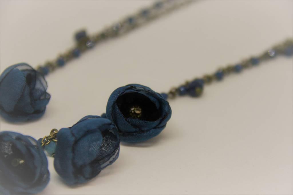 Ana Popova Blue necklace Gabrielle