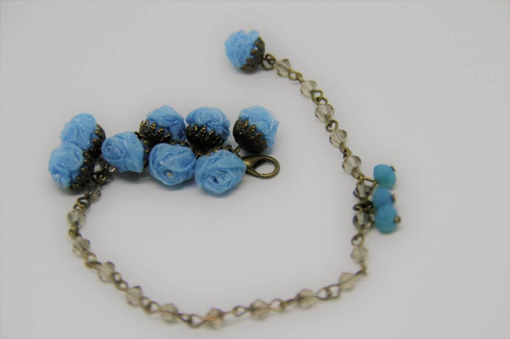 Ana Popova Lichtblauwe armband Christelle