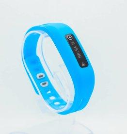 One bracelet de couleur bleu
