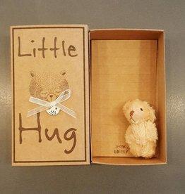 How Lovely Little Hug in a Box - teddybeertje in een doosje
