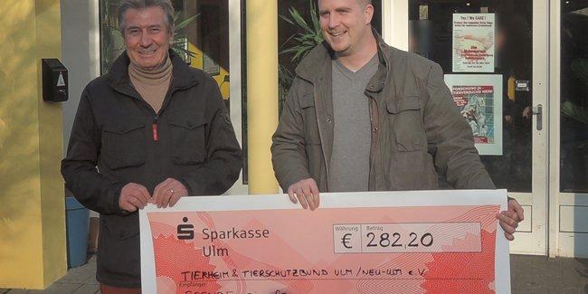 Spendenübergabe für 2013