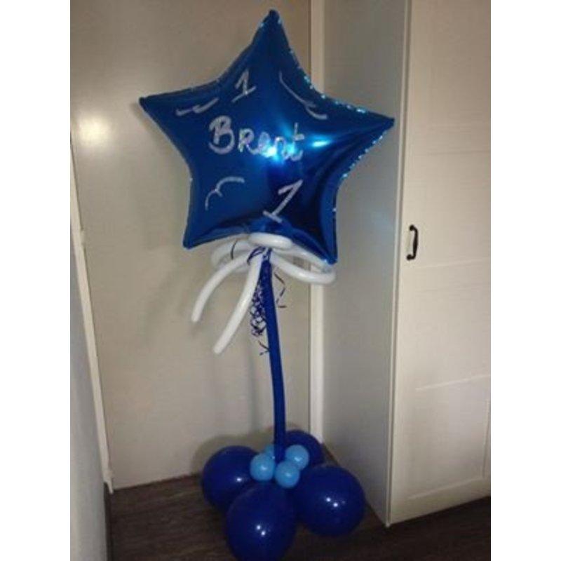 Ballon decoratie groot jongen (ster met naam & decoratie)