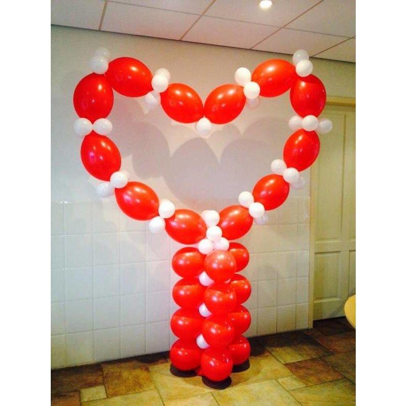 Ballonnen pilaar met hart. 2.40 x 1.80m