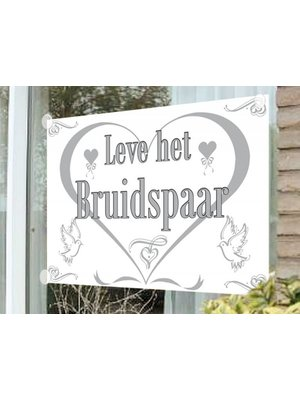 Vlag / raamvlag: leve het bruidspaar (inc. 4 zuignapjes)