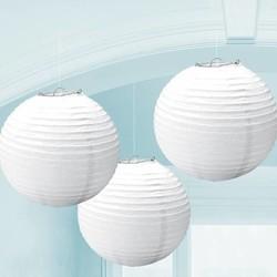 3 witte papieren lantaarns