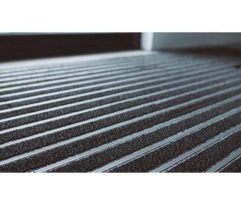 moduleerbare entreemat in plankformaat in combinatie van tapijt en aluminiumstrips, verpakt per 1m² of 6 planken
