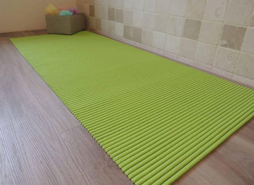 Tapis Multi Usages De Couleur Vert