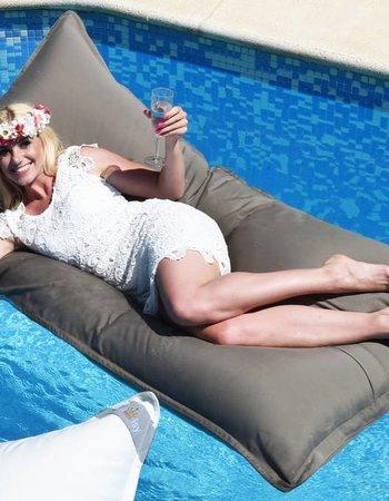 chillisy® * Premium Pool pillow * Midi