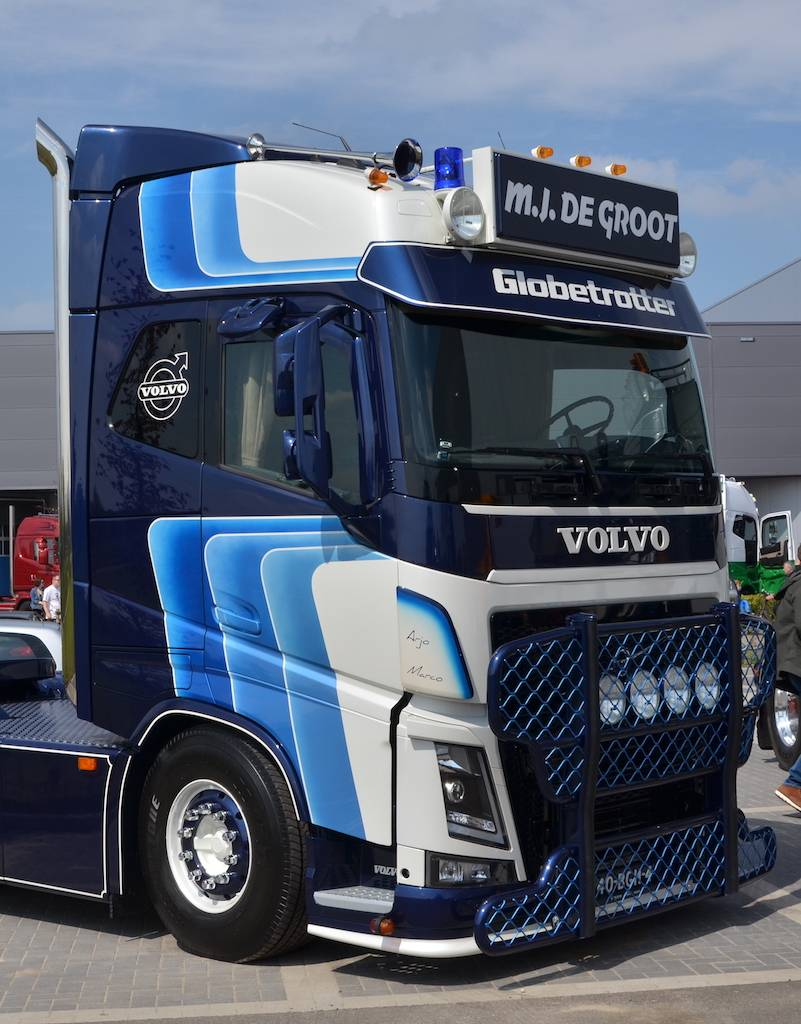 volvo fh4 frontplaat type 1 go in. Black Bedroom Furniture Sets. Home Design Ideas