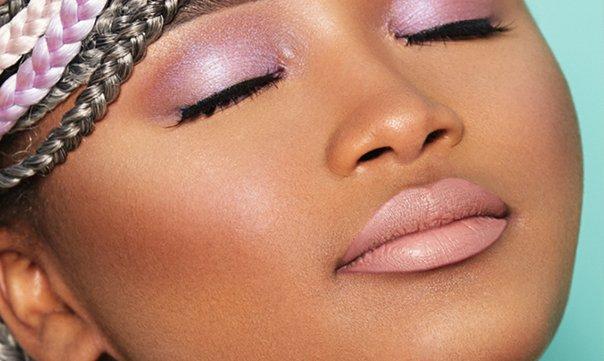 Welke highlighter is het mooiste voor een donkere huid?