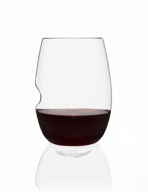 Govino rode wijnglazen