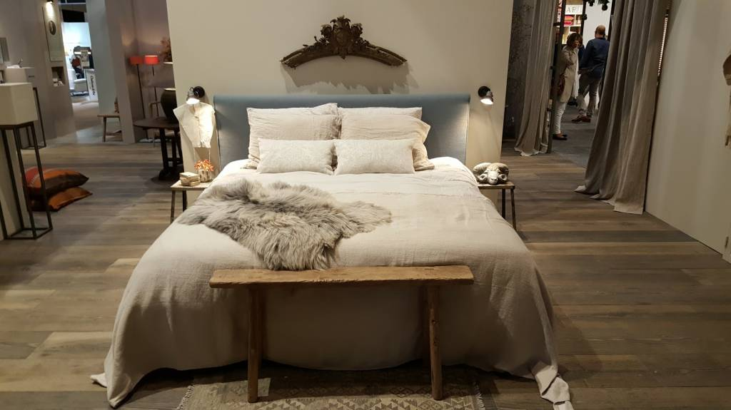Country style bed 2c springbed mattress outdoor furniture gascylinders - Sofa landelijke stijl stijlvol ...