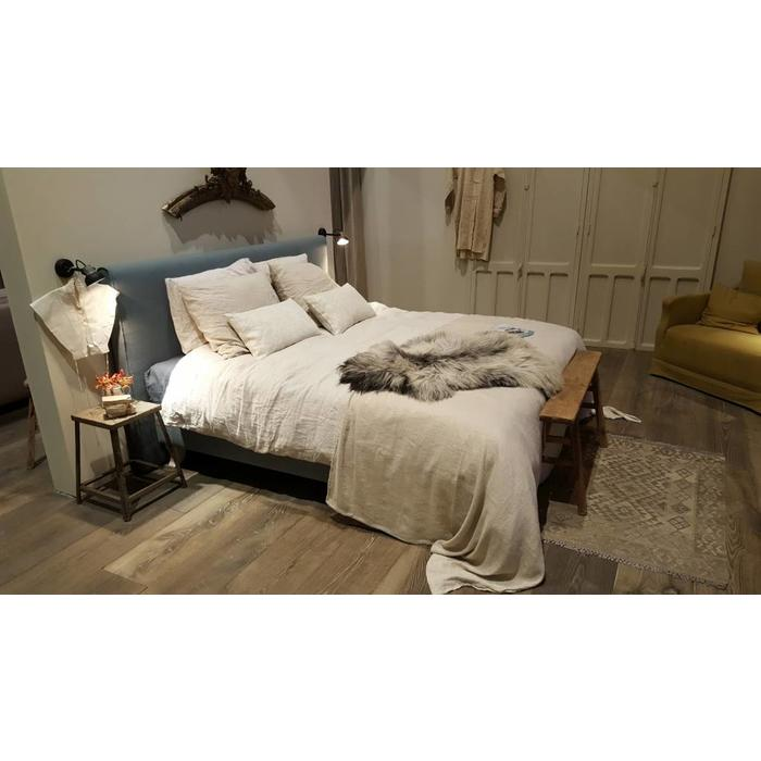 Country style bed 2C