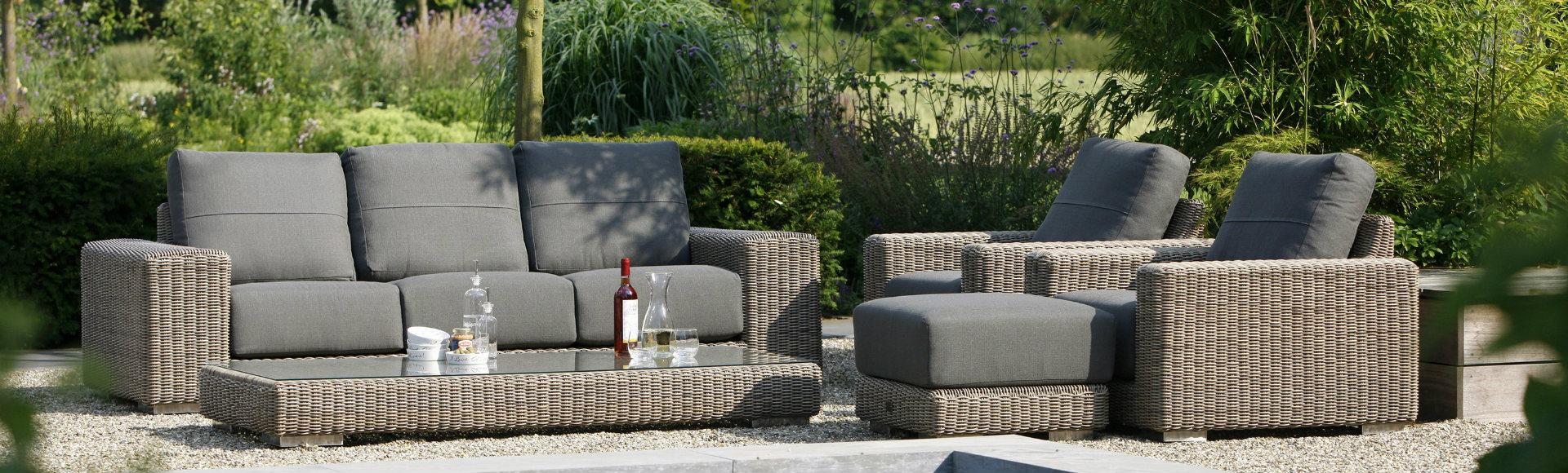 HoekVT - Specialist in outdoor en bedroom furniture