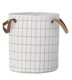 ferm LIVING Laundry basket Grid fem LIVING