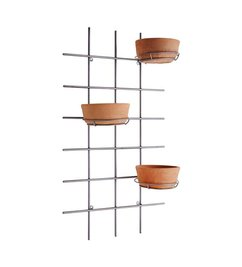 Madam Stoltz Wall frame with pots