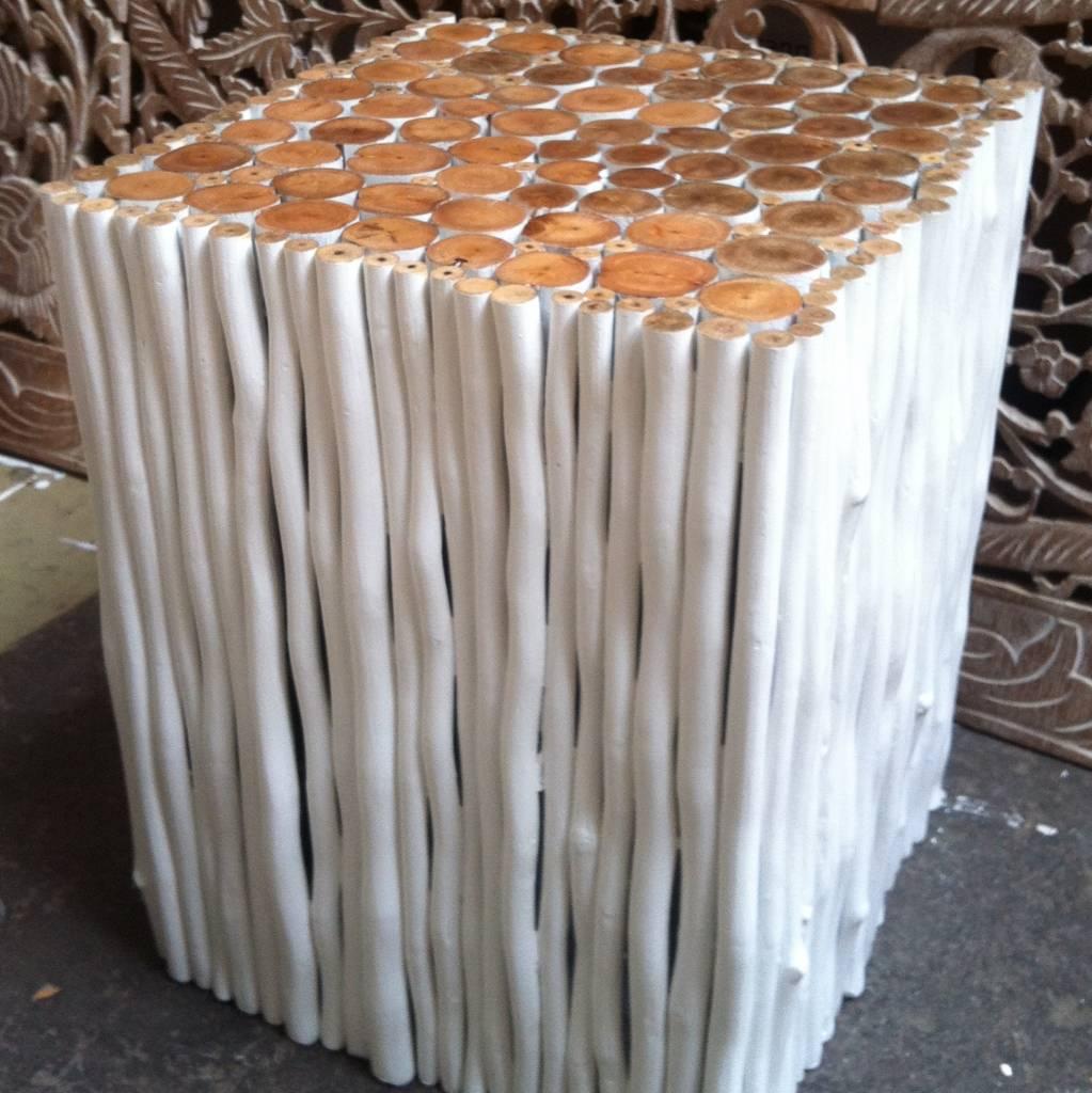 Houten bijzettafel   Simply Pure   De Nr 1 in houtsnijwerk wandpanelen, houten wandpanelen
